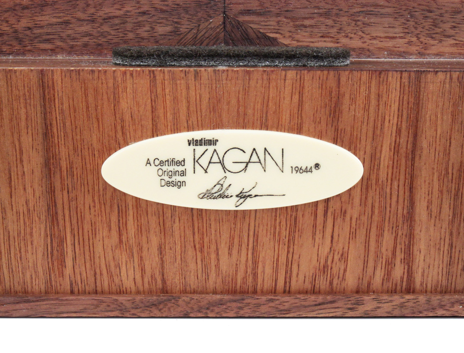 Kagan 120 walnut+white laminate servingcart20 detail9 hires.jpg