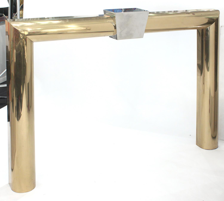 Allesandro 95 brass surround fireplace64 detail1 hires.jpg