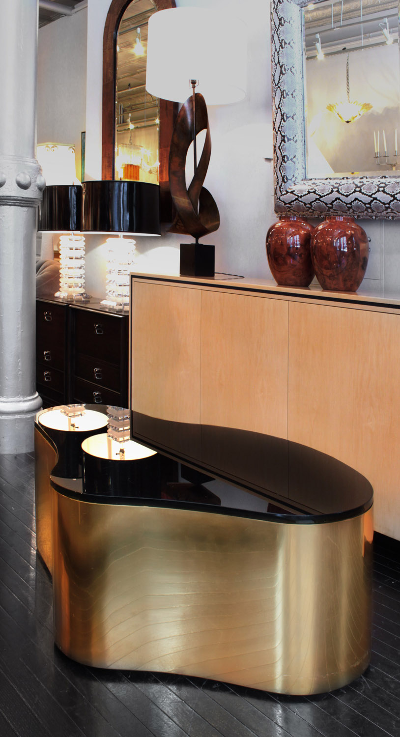 Springer 350 Free Form brass coffeetable359 detail4 hires web.jpg