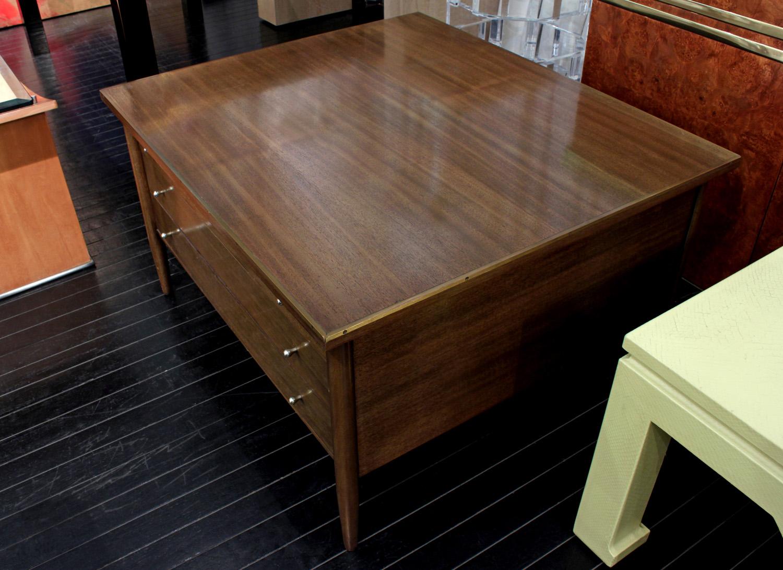 McCobb 45 inlaid brass edge coffeetable404 hires detail 3.jpg