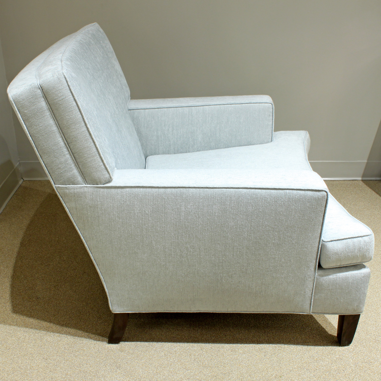 40's 150 curved fronts wood legs clubchairs60 hires detail 4.jpg