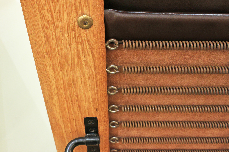 Wegner Getama 120 teak+lthr chair&ottoman61 hires detail 4.jpg