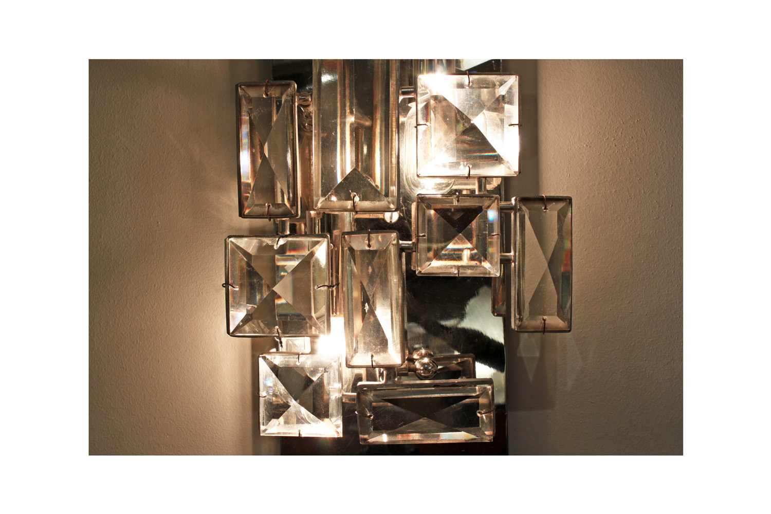 Lobmeyr 65 sml faceted crystals sconce29 hires main detail 4.jpg