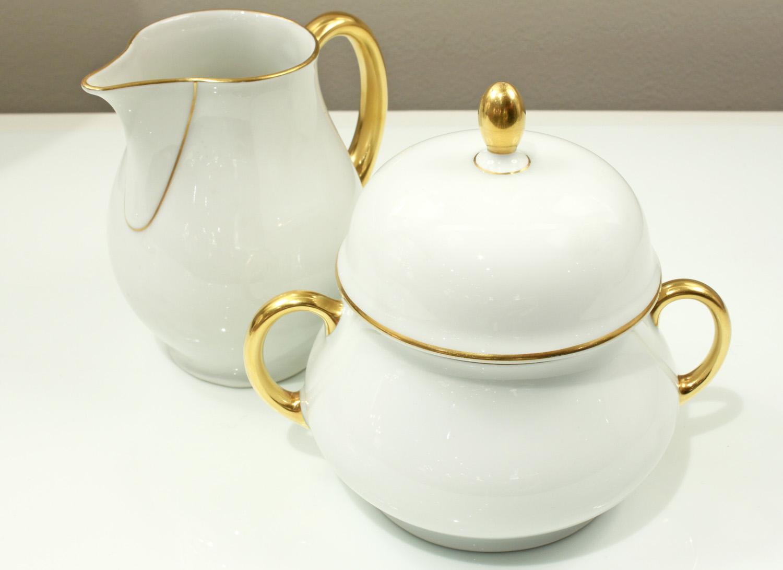 Thomas 15 porcelain dessert+coffee accessory150 hires detail 4.jpg