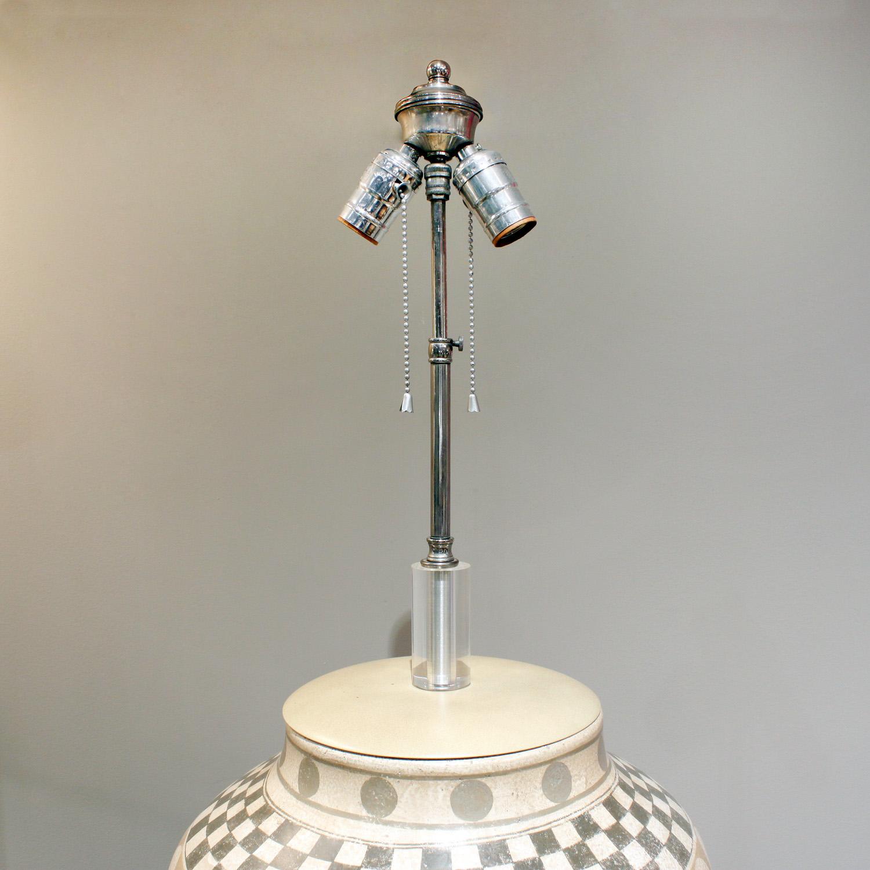 Trattoria G 55 ceramic geom decor tablelamp221 hires top detail.jpg