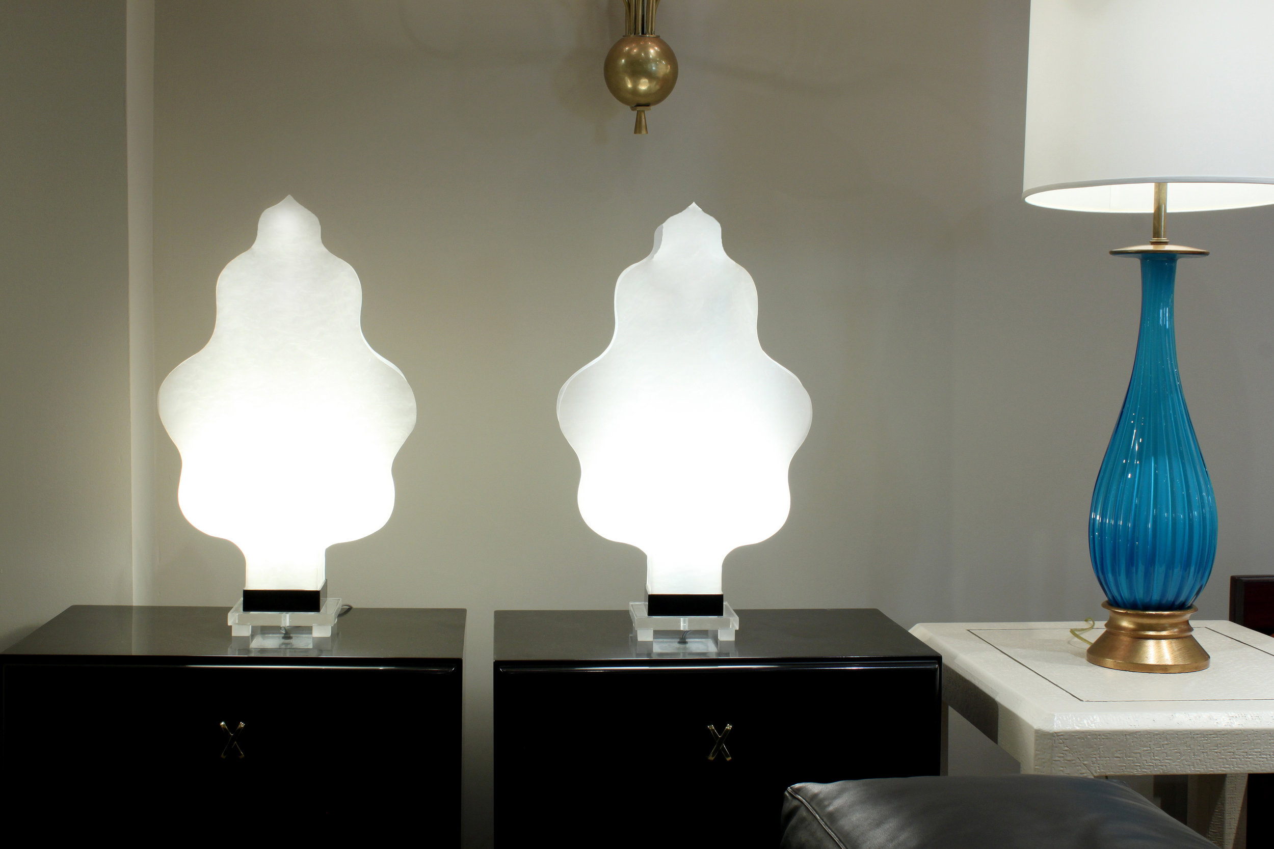 70's 45 lucite pearescent flames tablelamps338 atmosphere hires.jpg