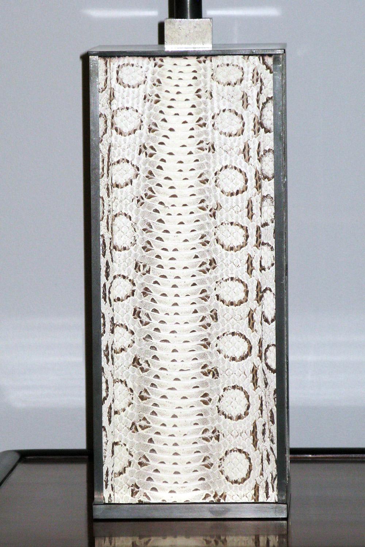Springer 120 whiteboa+blk bronze body tablelamps212 hires.jpg