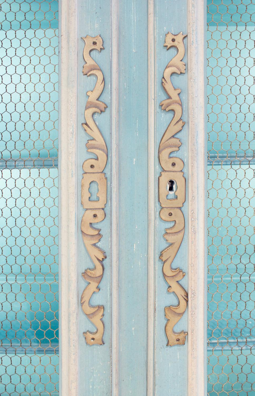 Auffray 180 Bressan Louis XV pr blu cabinet45 top drs dtl.jpg