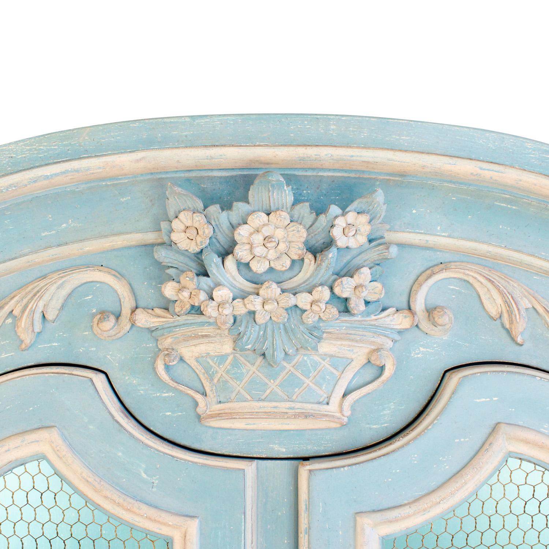 Auffray 180 Bressan Louis XV pr blu cabinet45 top dtl.jpg