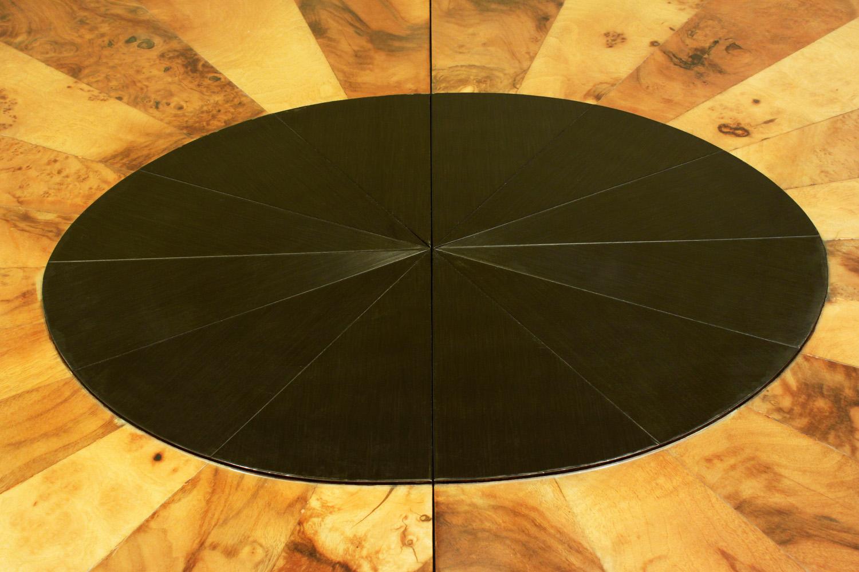 Evans 220 oval burl+black chrome diningtable162 ctr dtl.jpg