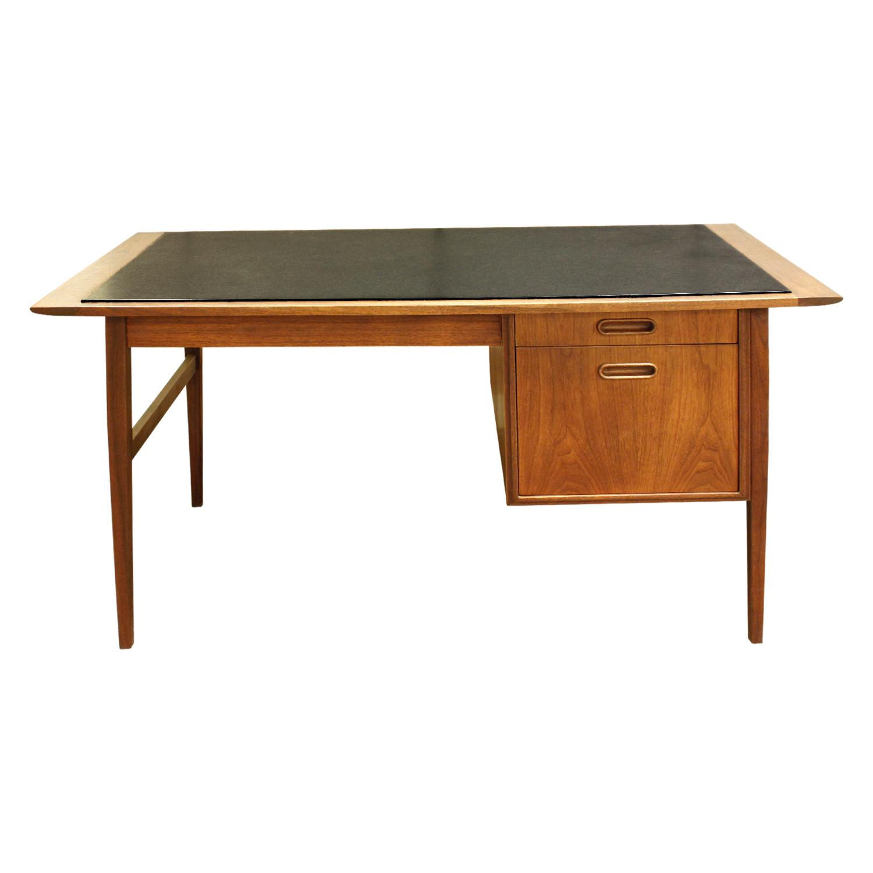 Danish 45 teak w inset micarta desk91 fnt.jpg