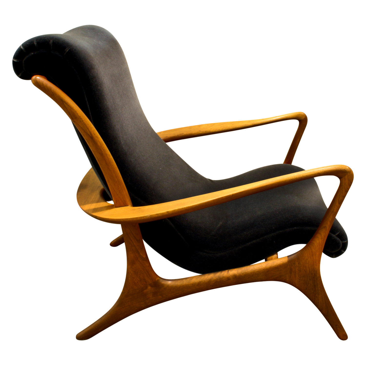 Kagan 150 Contoured walnut loungechair99 sde.JPG