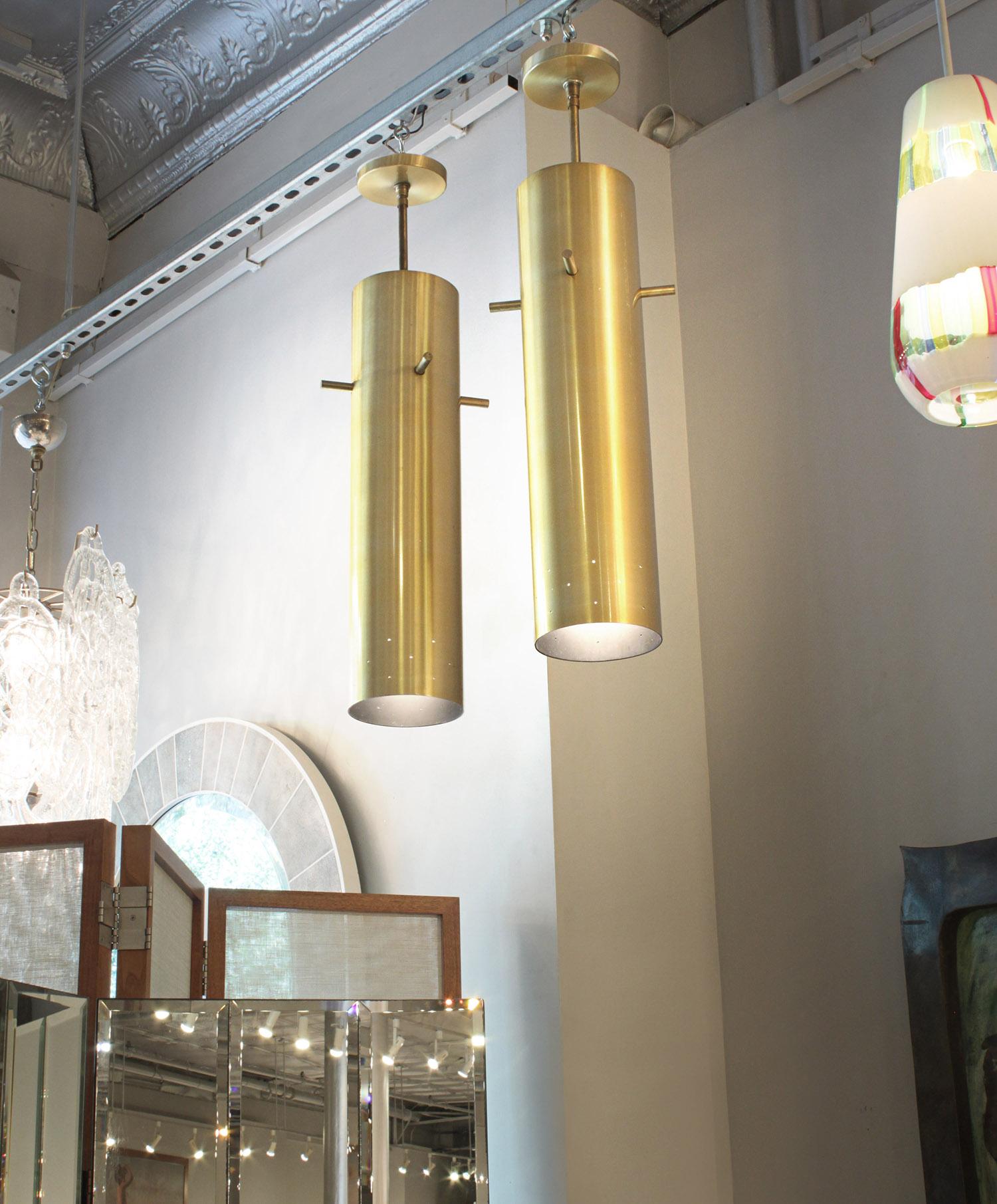 Lightolier 35 set5 brass pendants chandelier218 detail6 hires.jpg
