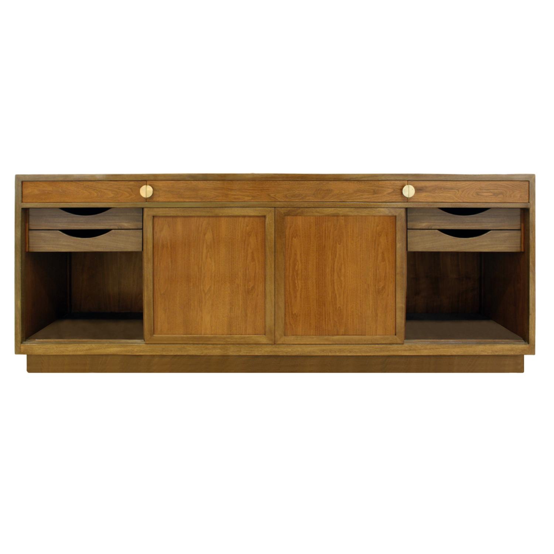 Dunbar 125 4dr mahg+rosewd doors credenza83 frnt close drwrs.jpg