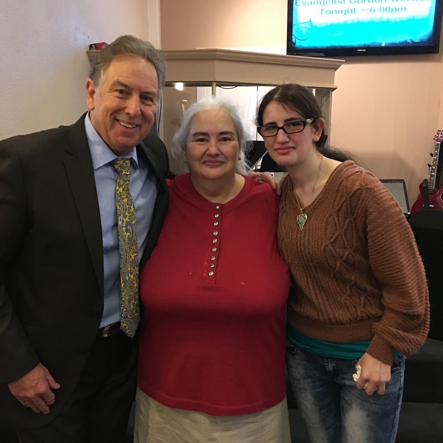 Louisiana; Woman healed of using a cane.