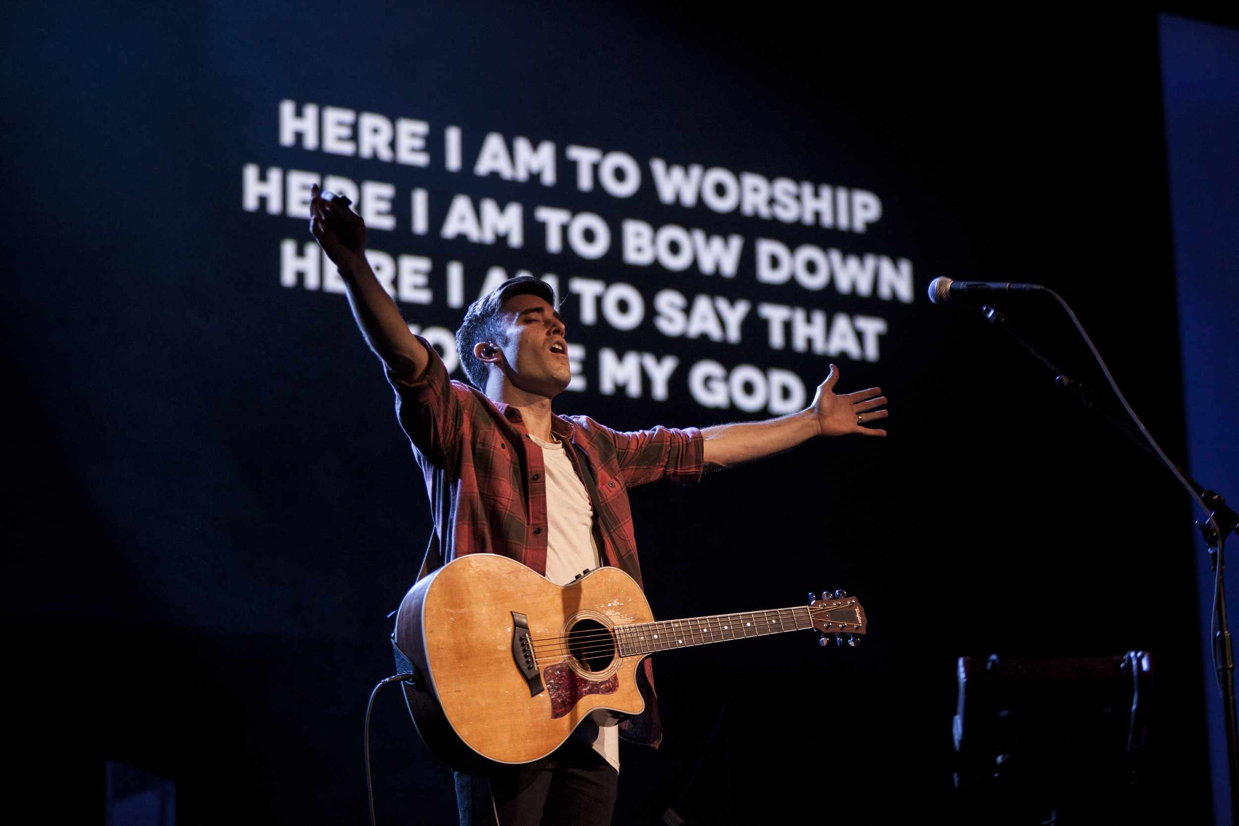 Linger_Conference_2015-Worship-656.jpg