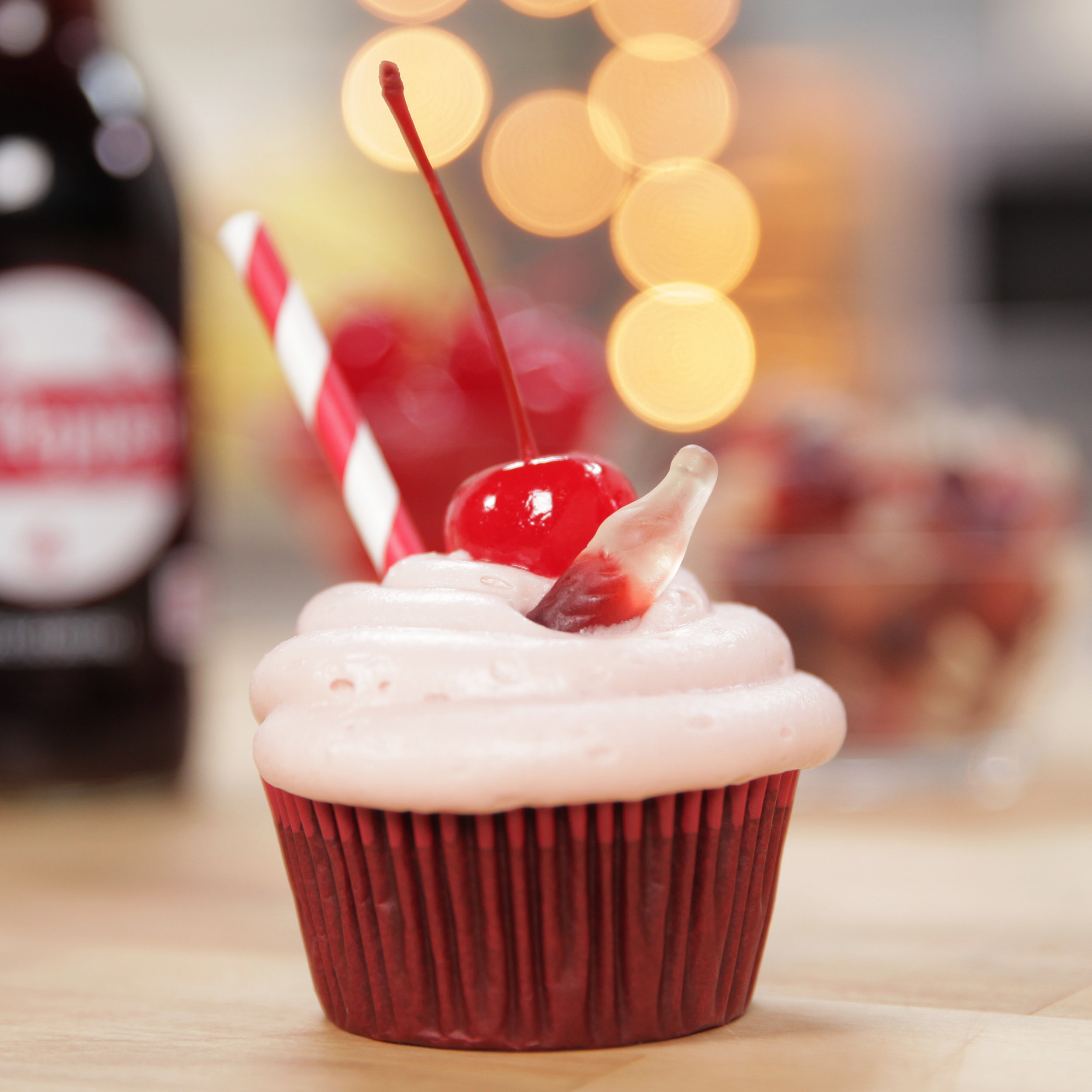 How could you resist these adorable little cuppies made with Dr. Pepper?!