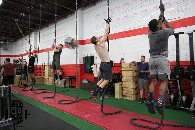 Two more days to register for our final event at @crossfitgantry! Registration closes at midnight Thursday night - get on it now at 🚇 http://www.thenycsubwayseries.com 🚇