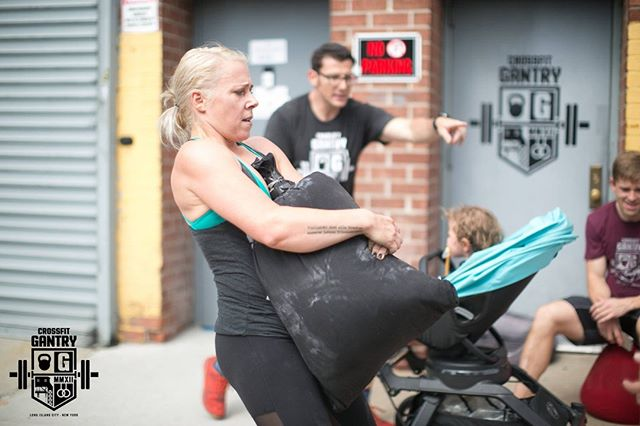 One day remaining to register for our final event at @crossfitgantry! Only a few team spots remain - grab one before they're gone at http://www.thenycsubwayseries.com. #throwdown #sweatfest #getinspired