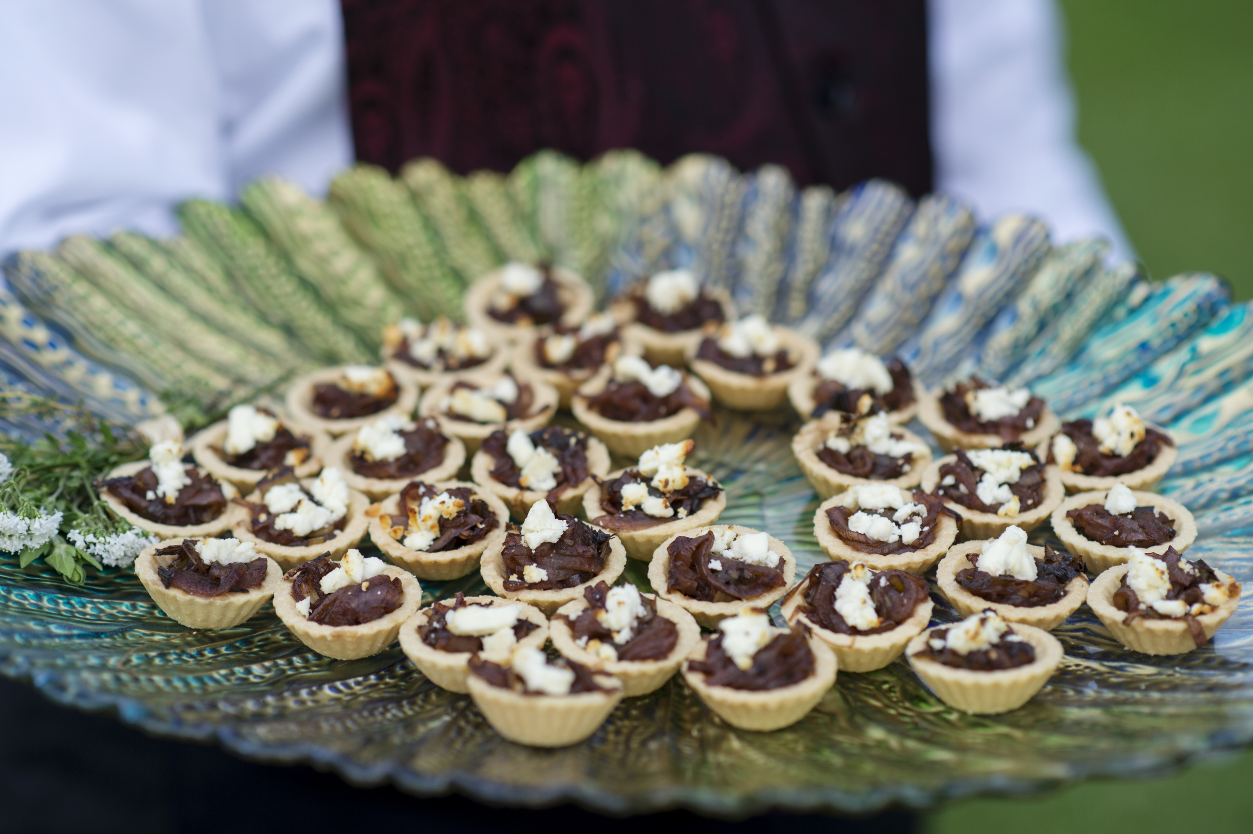 mini caramelized onion and goats cheese cups