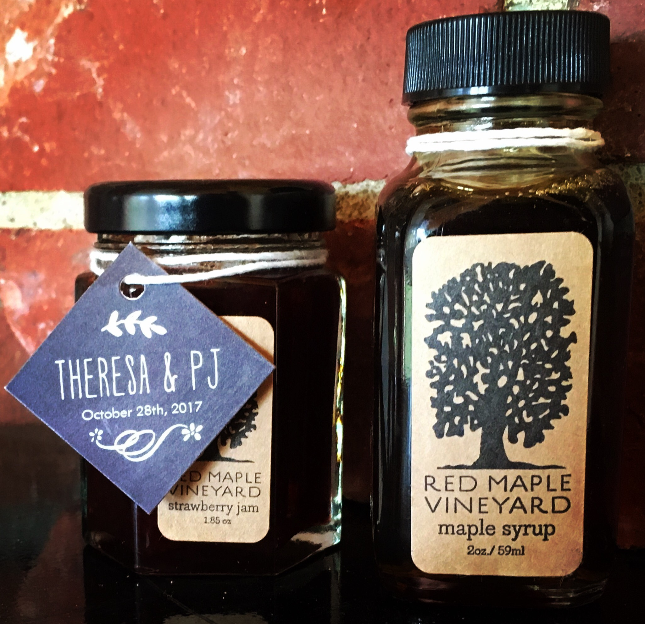 jam and maple syrup favors from the farm