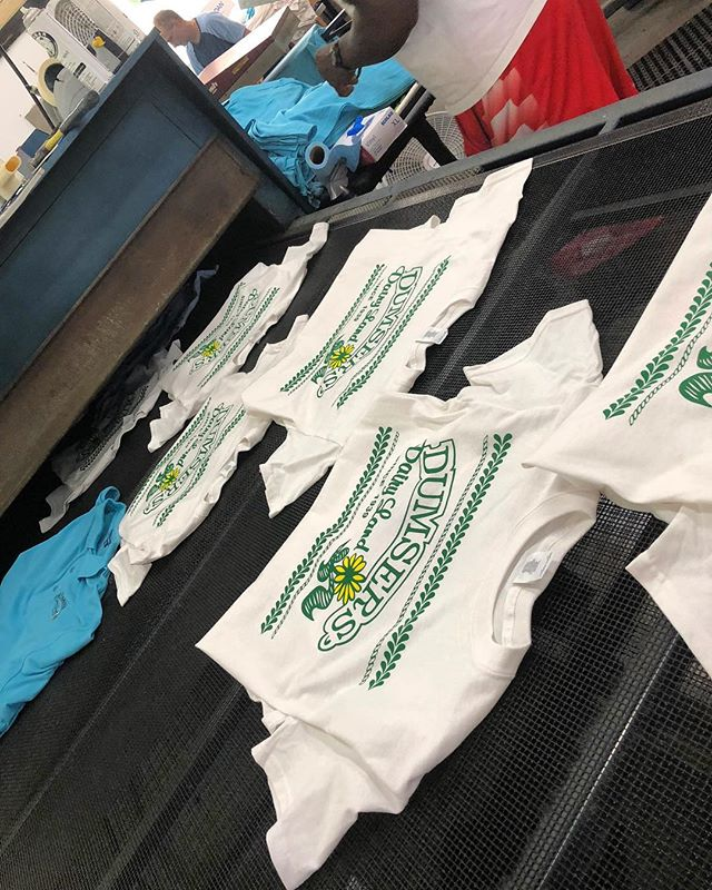 We are #hustlin to get our customers their orders for this big #memorialdayweekend in #ocmd 👌 #ocnewwave #screenprinting #embroidery #newwaverunsthisshore