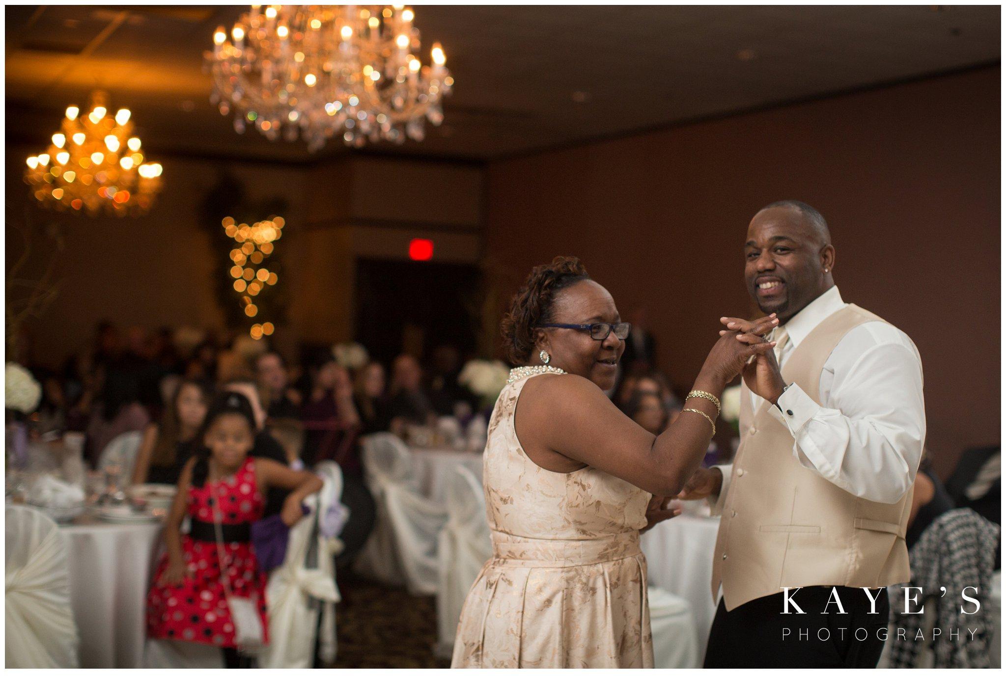 Kayes Photography- howell-michigan-wedding-photographer_0658.jpg