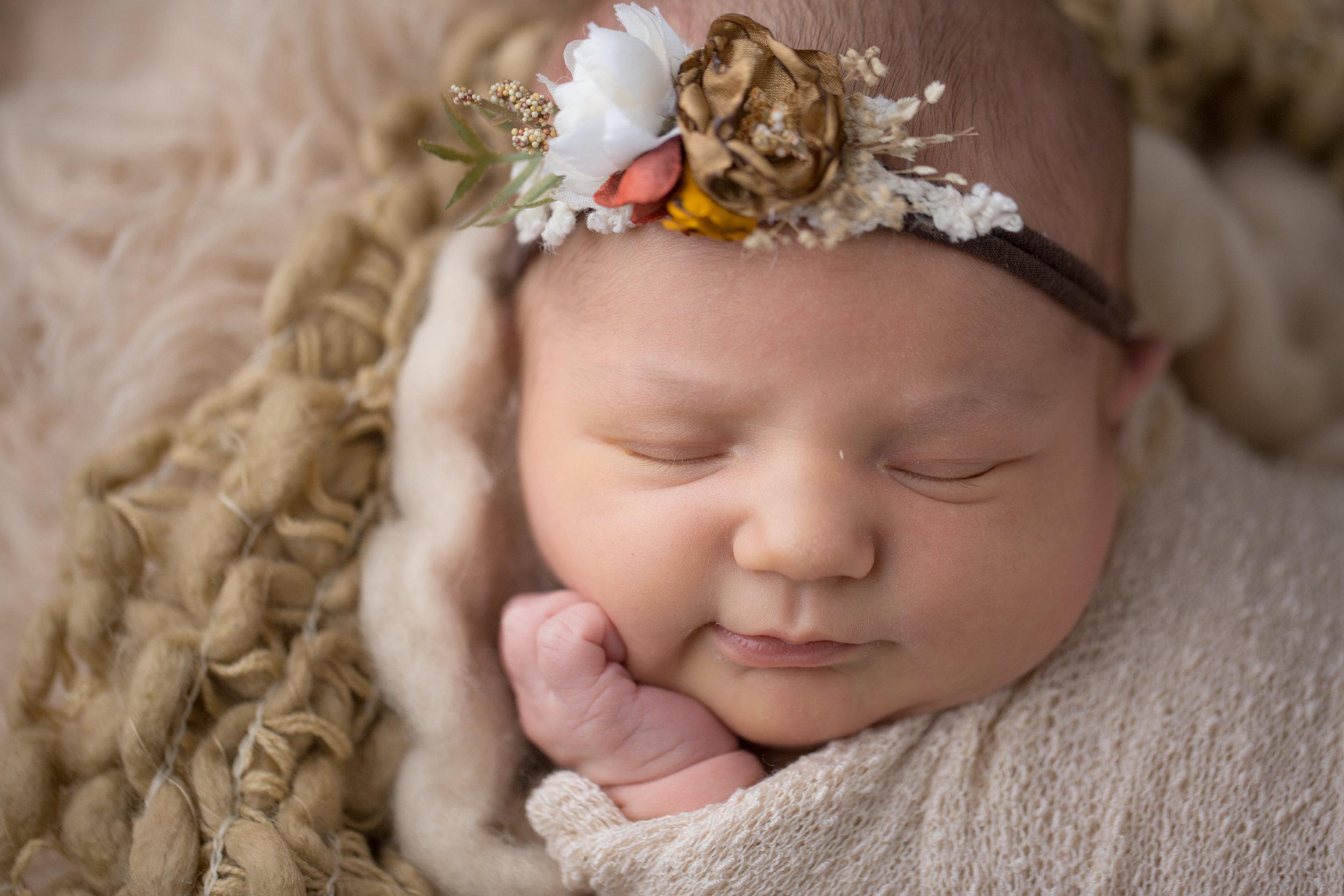 newborn-baby-photos-grand-blanc-newborn-photographer