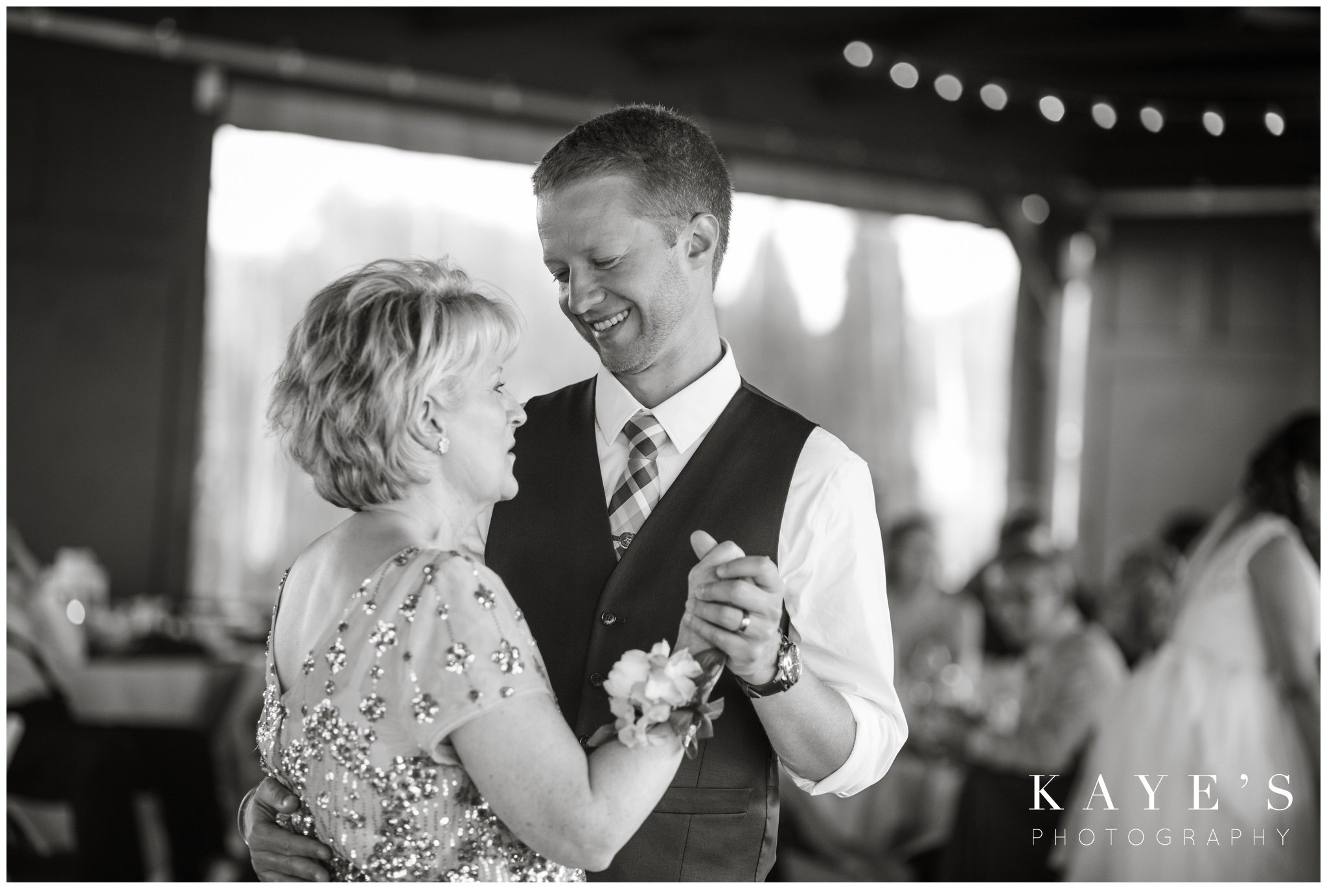 Kayes Photography- howell-michigan-wedding-photographer_0764.jpg