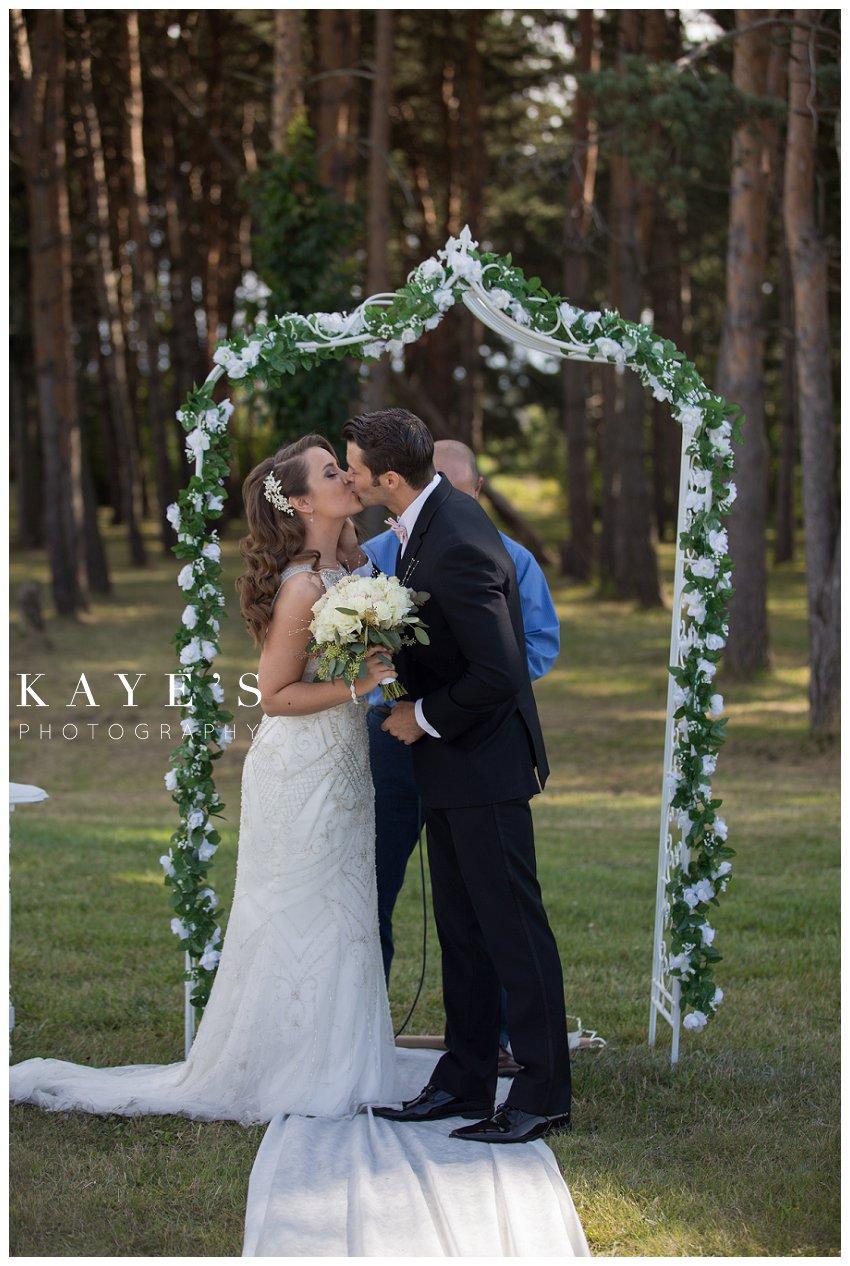 Kayes Photography- howell-michigan-wedding-photographer_0921.jpg