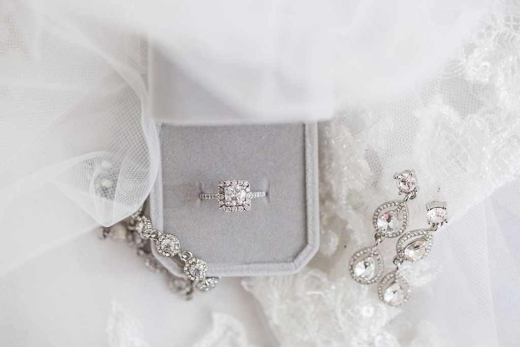 bride details on a winter wedding day for wedding pictures in detroit michigan