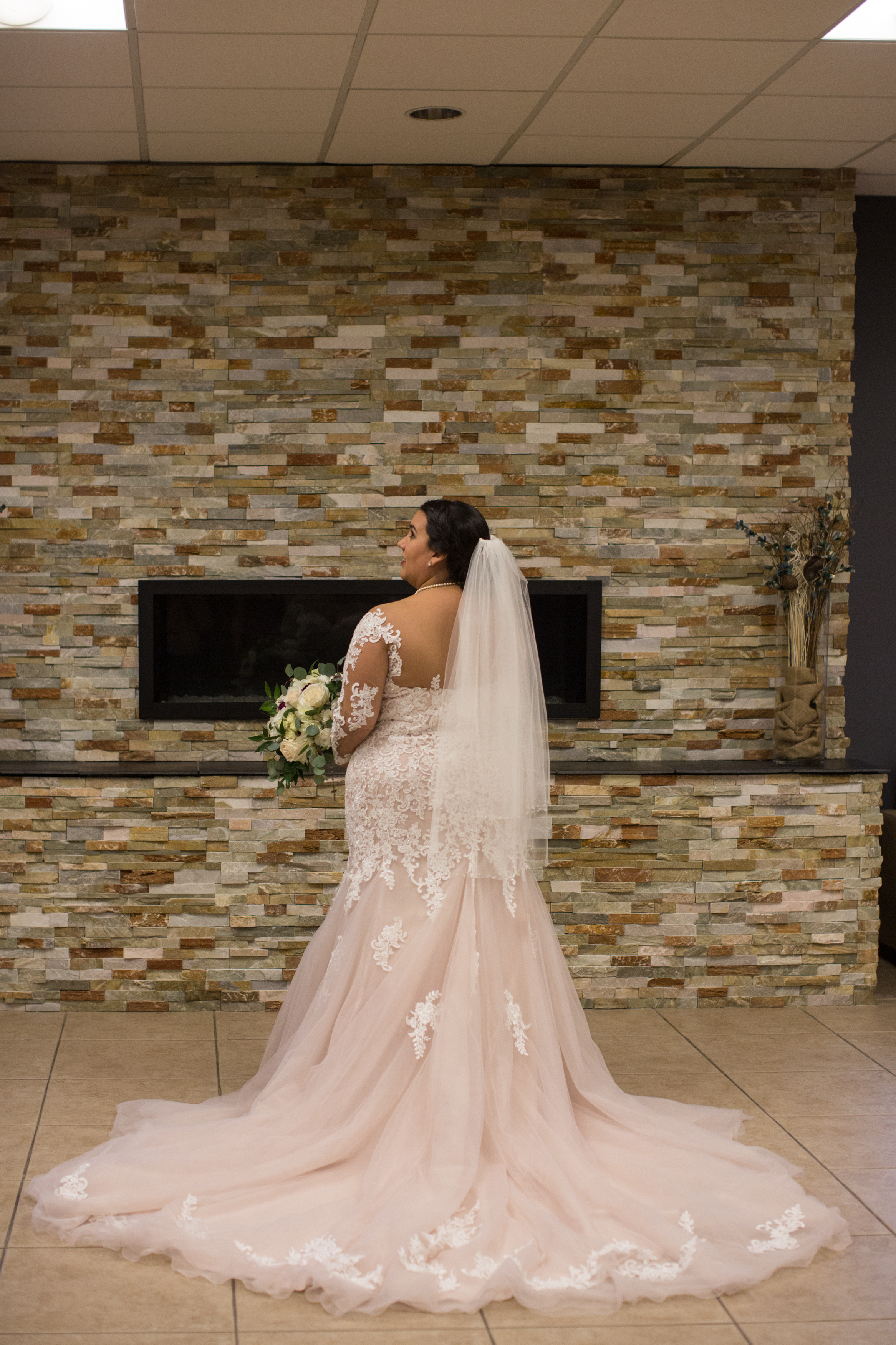 bride portraits during a winter wedding in sterling heights michigan