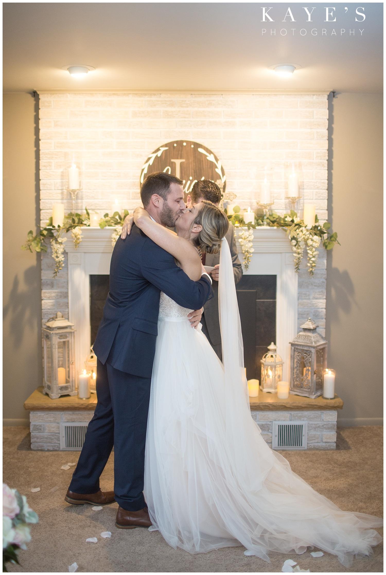 Backyard-intimate-grand-blanc-wedding-Michigan-photographer_0006.jpg