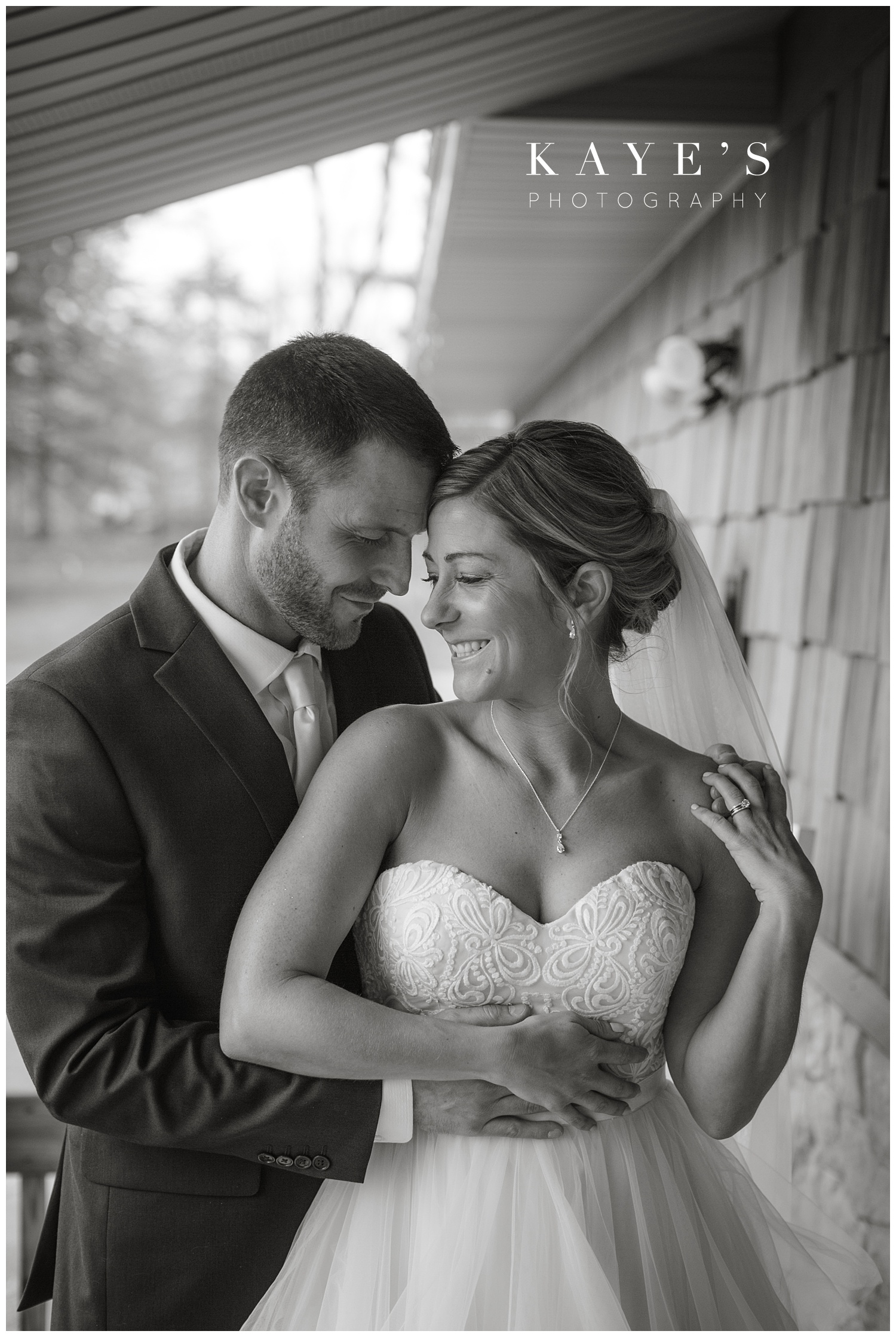 Backyard-intimate-grand-blanc-wedding-Michigan-photographer_0009.jpg