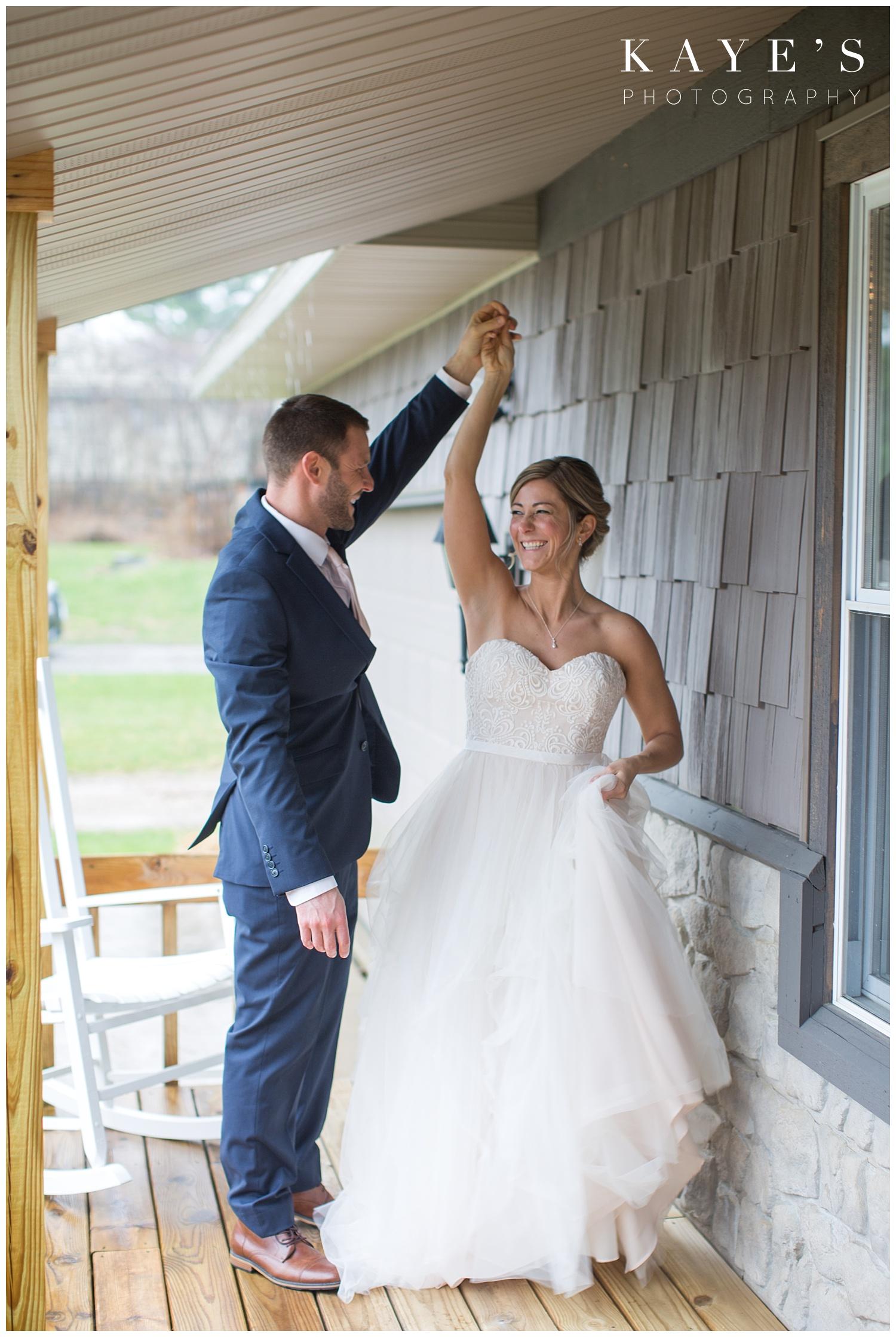 Backyard-intimate-grand-blanc-wedding-Michigan-photographer_0014.jpg
