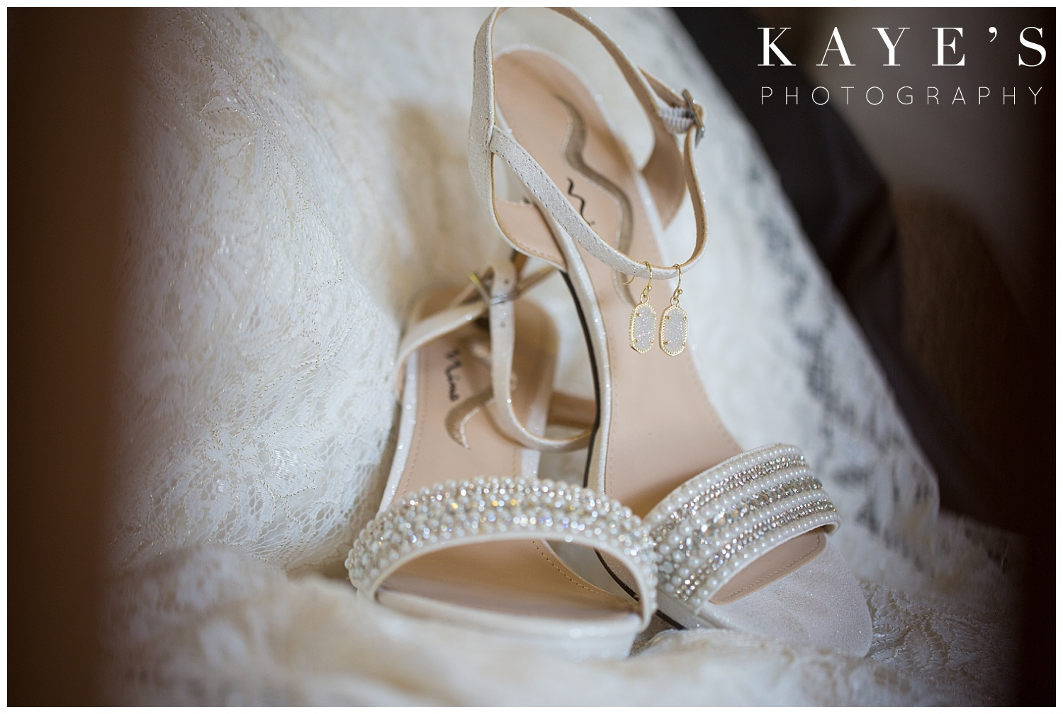 bridal details in genesee county michigan wedding by kaye's photography