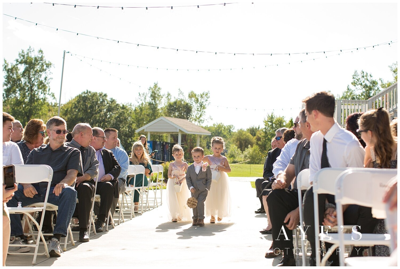 Captains-club-grand-blanc-michigan-wedding_0020.jpg