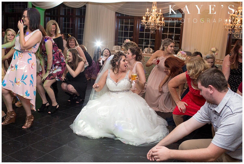 Captains-club-grand-blanc-michigan-wedding_0047.jpg