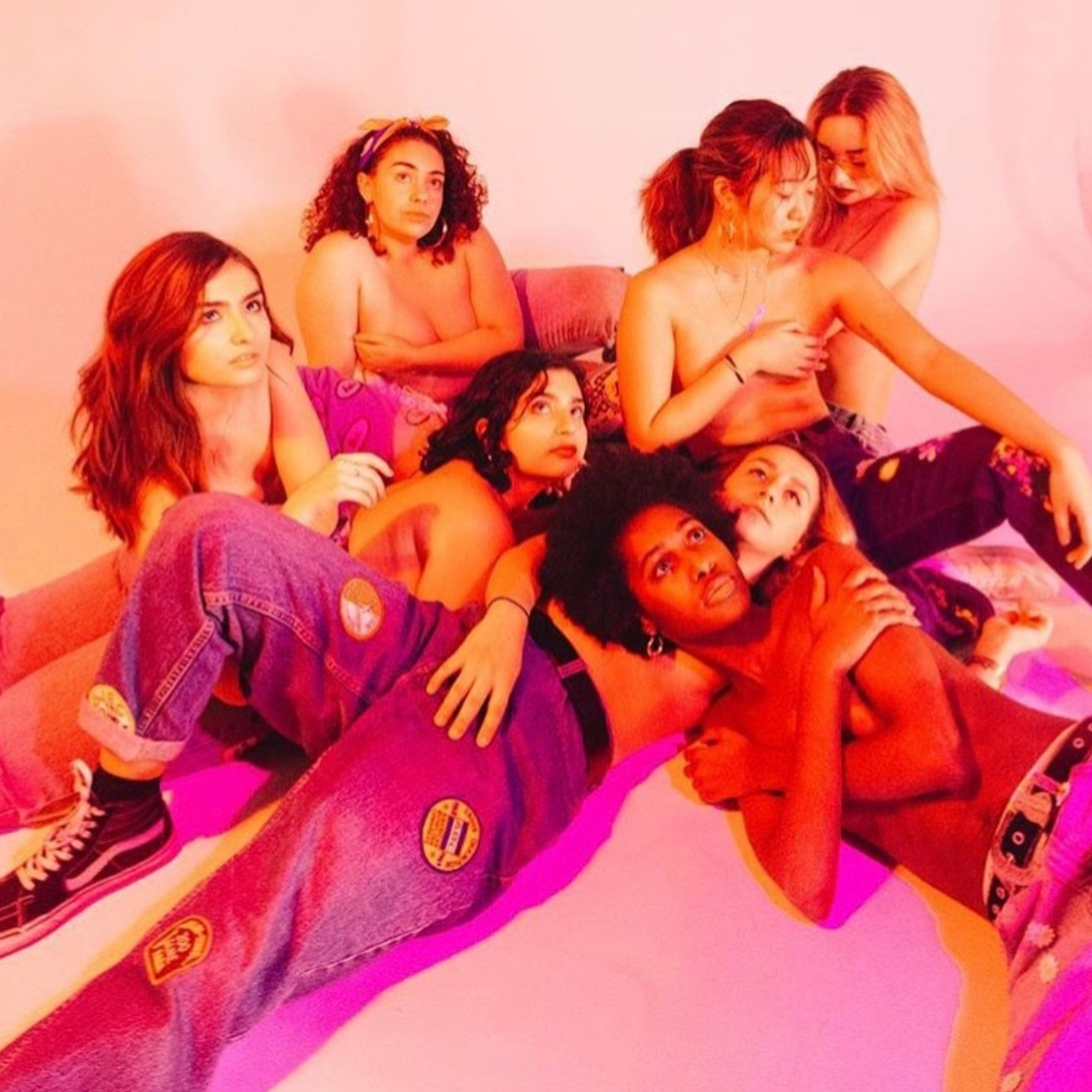 Photographer:  Tori Pante  · (Role)Models:  Vera,   Millie ,  Gia ,  Annette ,  Alice ,  Vanessa