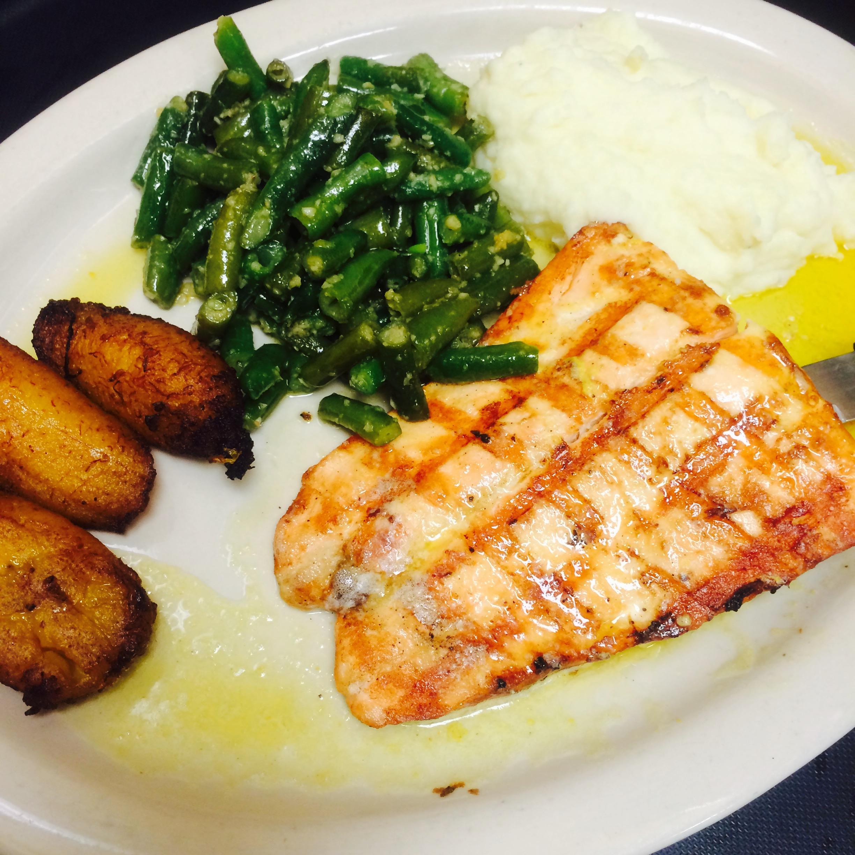 Salmon en Limon y Mantequilla