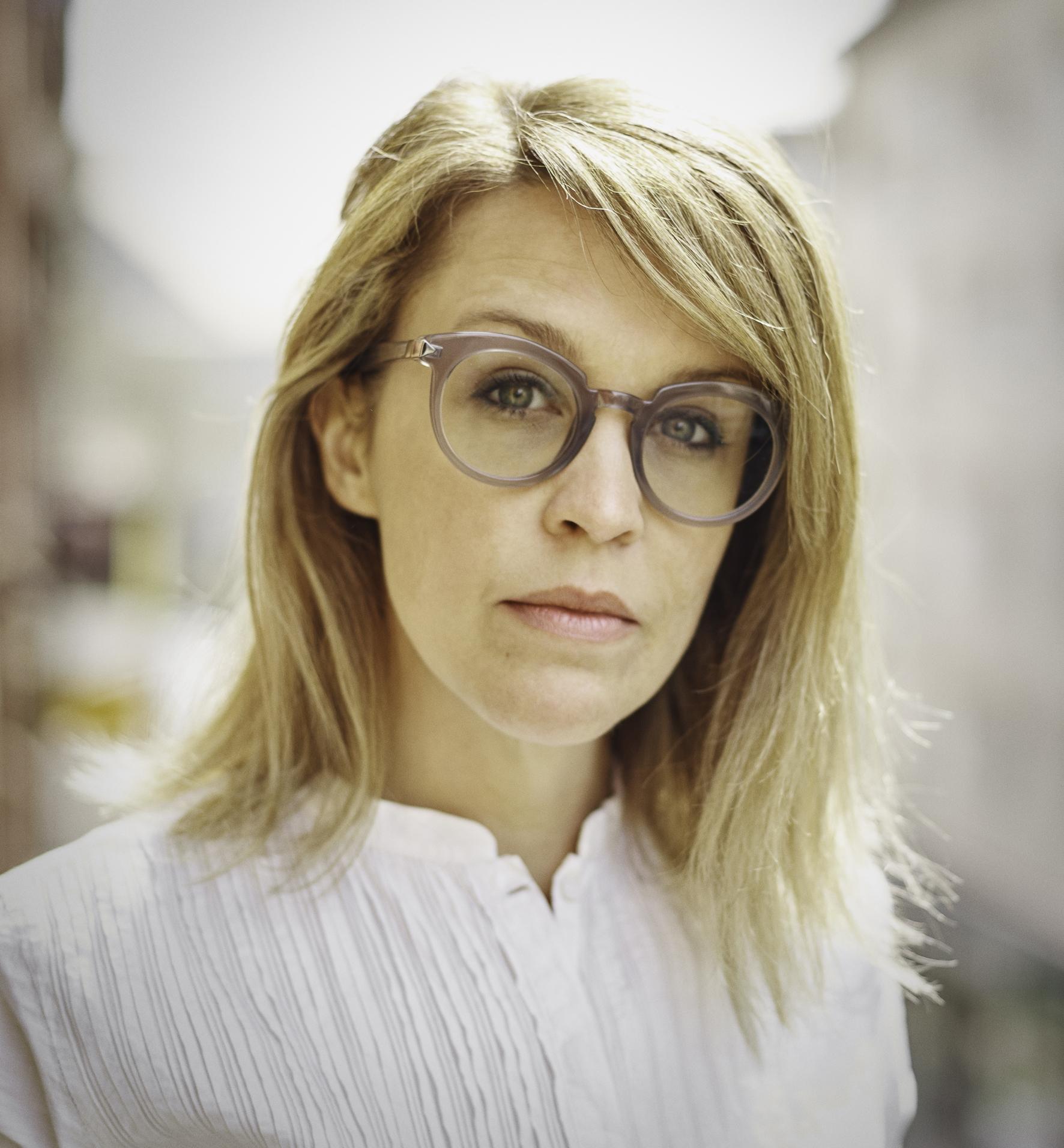 AdrianneJoergensen-profile-TobiasWootton2017_15x20@300.jpg