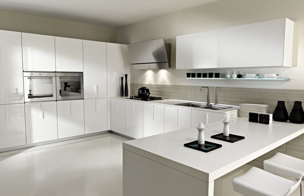 luxury contemporary white kit clutter free.jpg