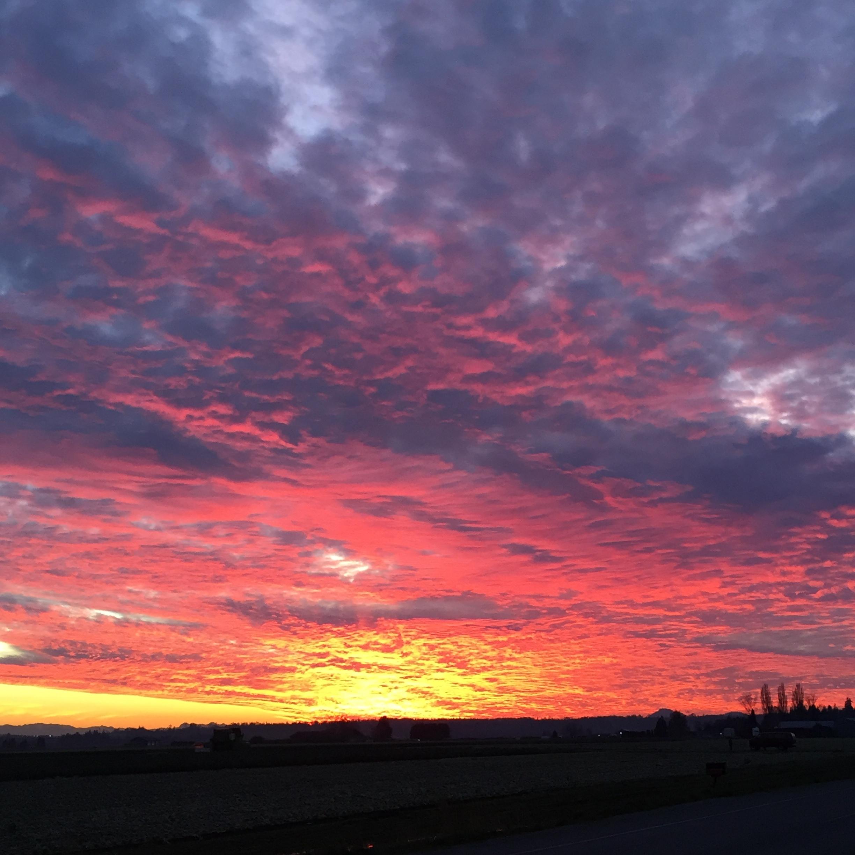 Chuckanut sunset.   #myselfcare #freshair #wideopenspaces #breathe #lovethislife #nofilterneeded #sundaydrives #dowhatyoulove #chiropractor #seattlechiropractor #seattle #pnwwonderland #upperleftusa #hashtag