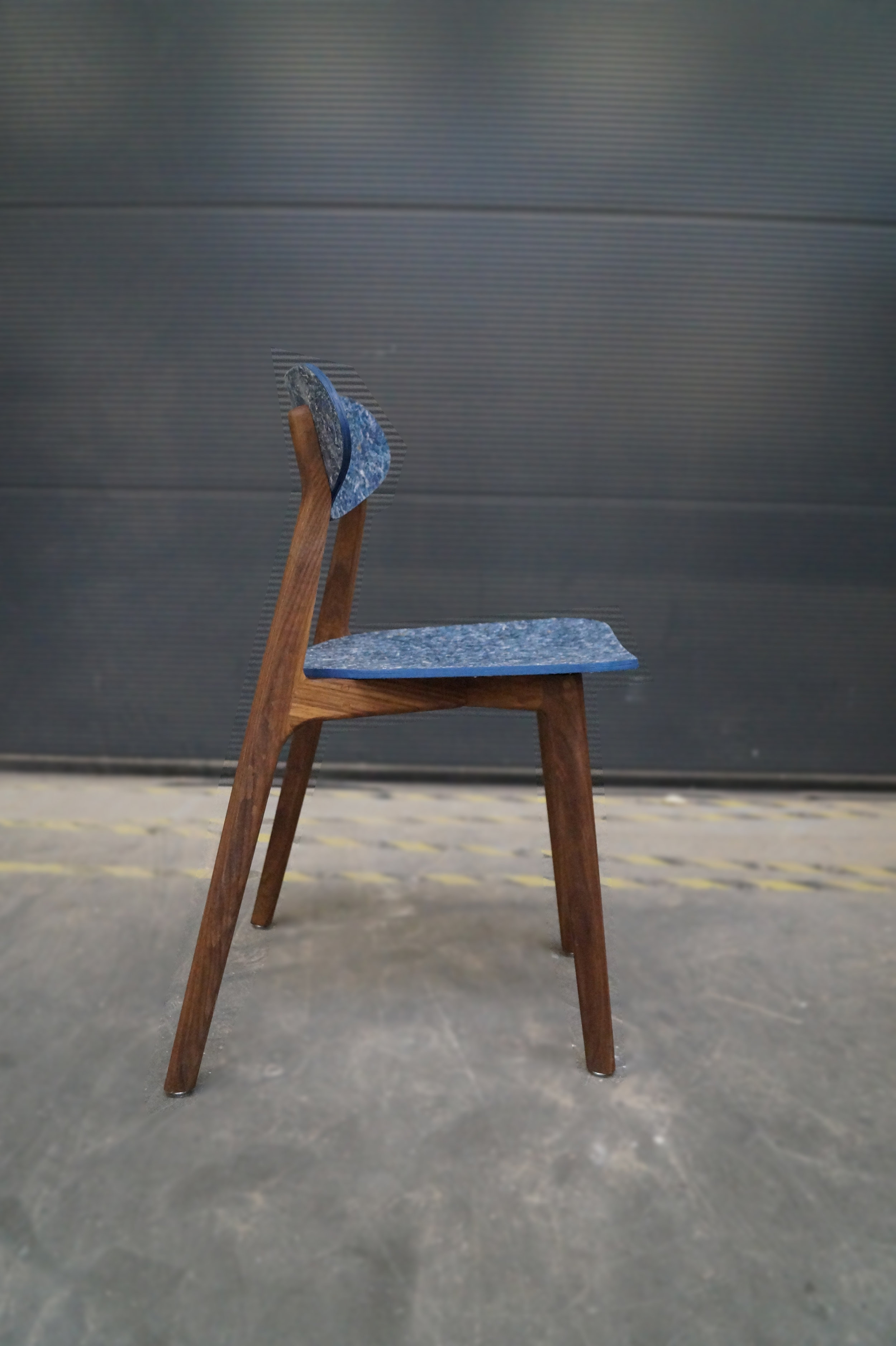 Ubu_Chair_Right_01.jpg