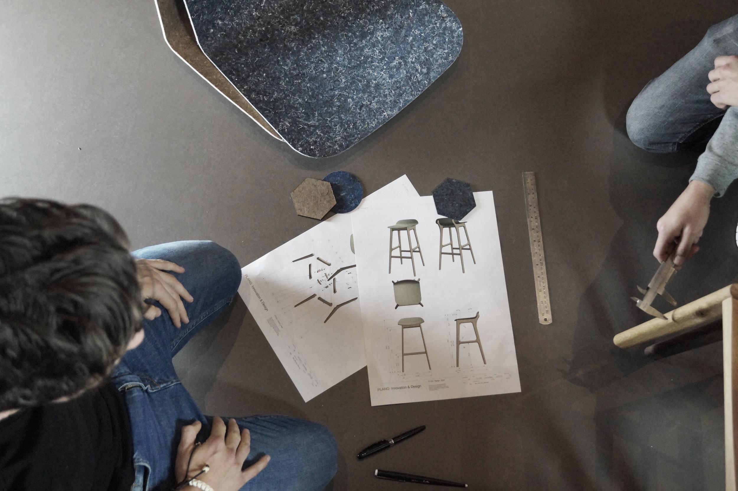 Unusual_Chair_Sustainable_Design_Studio_01.jpg