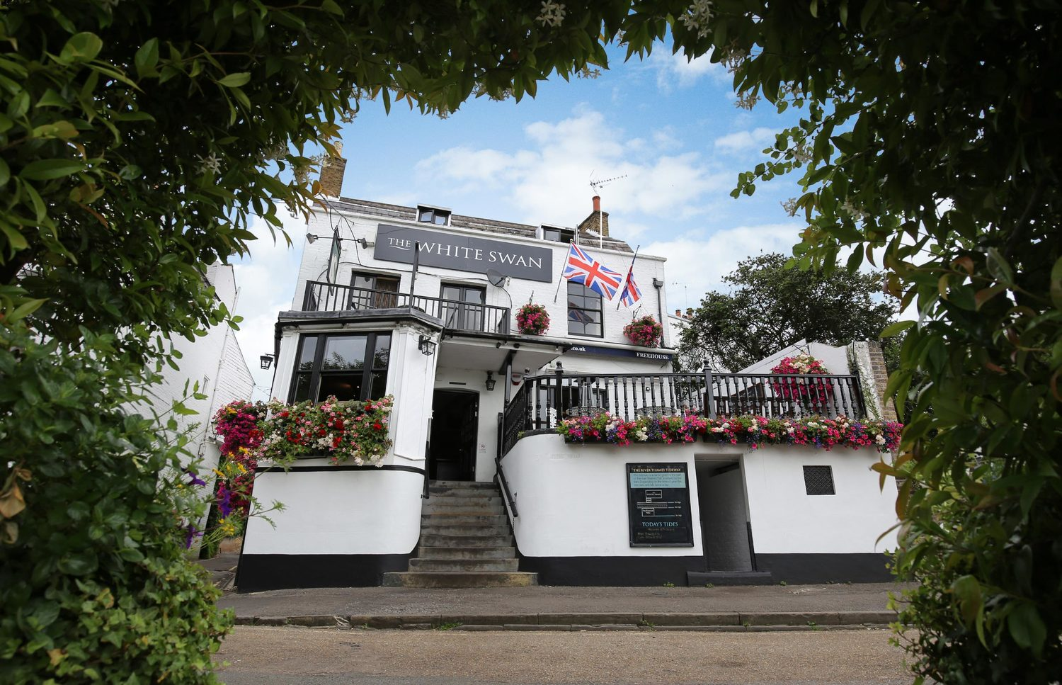 The White Swan Twickenham Riverside Pub Restuarant