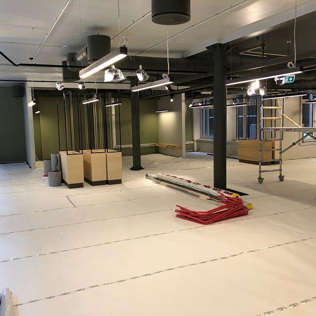 Flere kontorer blir i disse dager ferdigstilt rundt i Oslo området. Ta kontakt med BlenderGruppen for nye prosjekter.! #blenderentreprenor #blendergruppen #projectbyblender #bygg #næring #kontorer #interiør #entreprenør