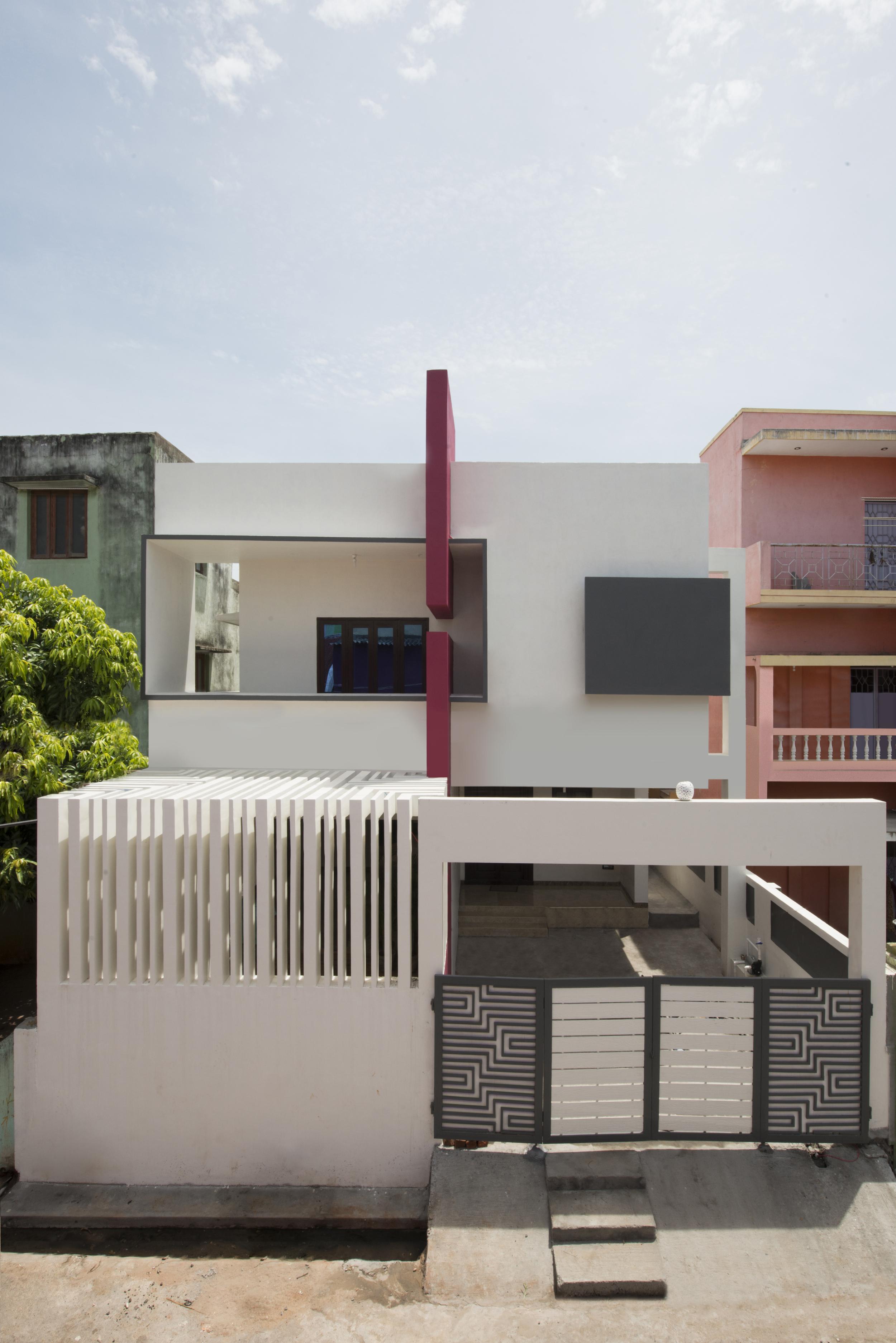THREE COURT HOUSE ./