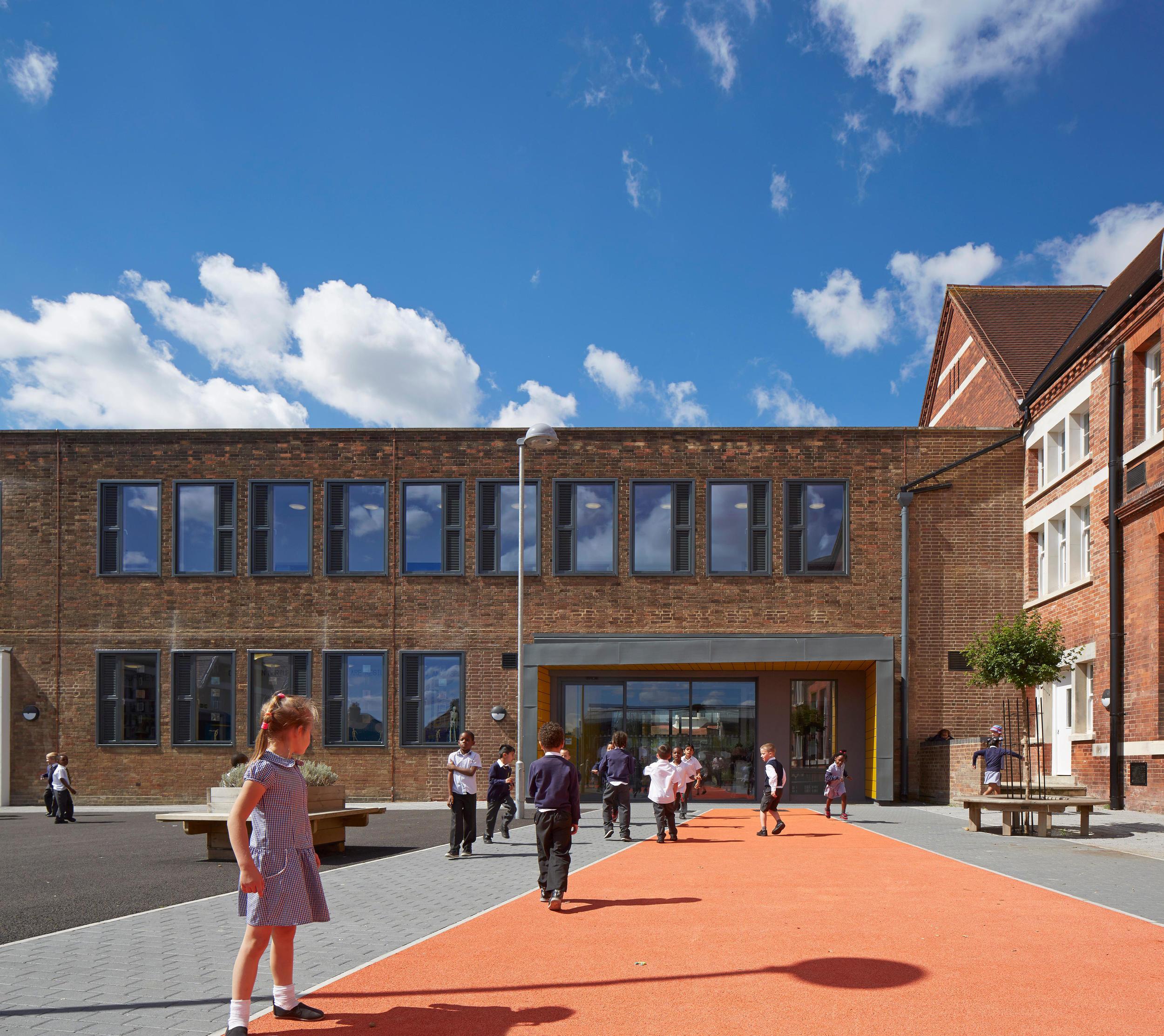 Robert Fitzroy Academy, Croydon