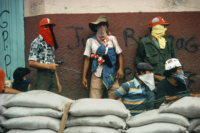 Muchachos await the counterattack by National Guard, Matagalpa, Nicaragua, 1981.  © Susan Meiselas/Magnum Photos